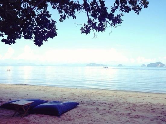 The Tubkaak Krabi Boutique Resort : private beach of resoto