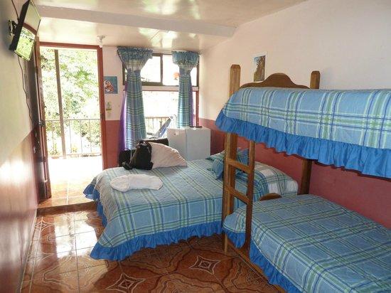 Cabinas El Pueblo Bed & Breakfast : 5