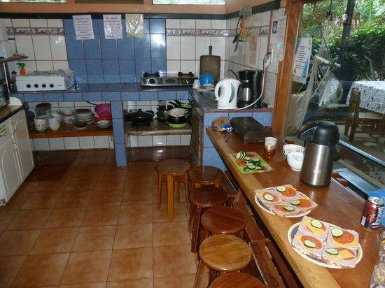 Cabinas El Pueblo Bed & Breakfast : 4