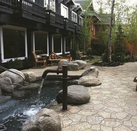 The Cove, An Authentic McCall Spa: Outdoor immersion pools