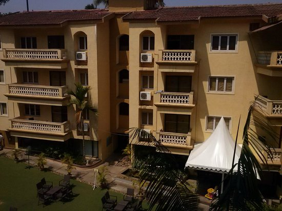 Sandalwood Hotel & Retreat: View from balcony