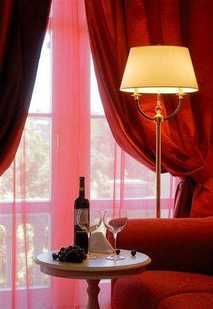 Arbiana Hotel: Double superior room