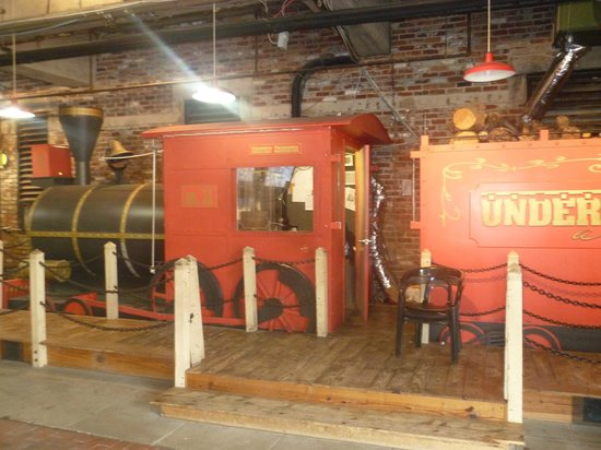 Underground Atlanta : railway engine
