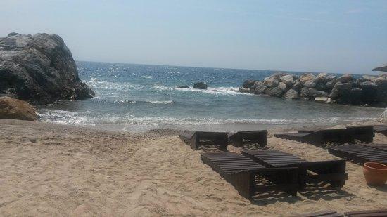 Pine Bay Holiday Resort: beach by the marina bar