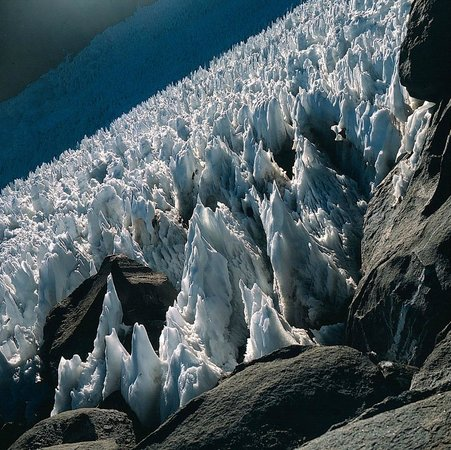 Volcan Llullaillaco: Büßerschnee (penitentes) bei 6.200 m ü.M.