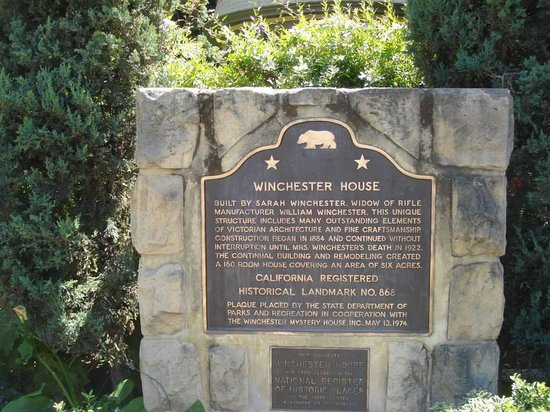 Winchester Mystery House: signage