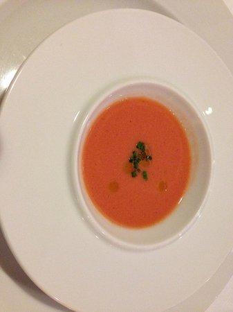 Seu Xerea: Aperitivo: Gazpacho con fresas y cebollino