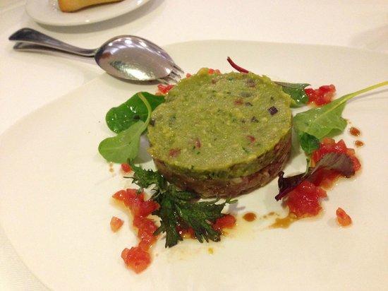 Seu Xerea: Tartar de atún con guacamole y kikos