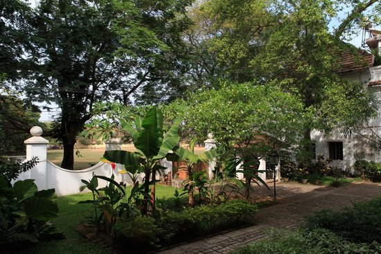 Malabar House: Front Garden area looking out to Square