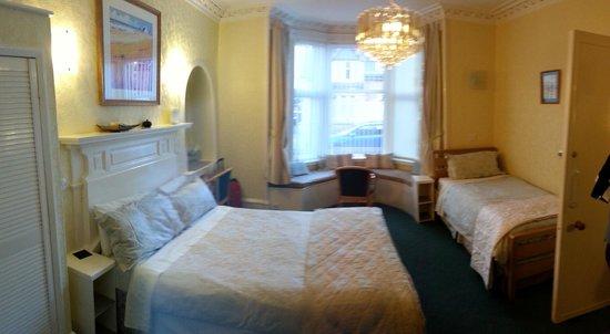 St Ann's House : Habitación triple