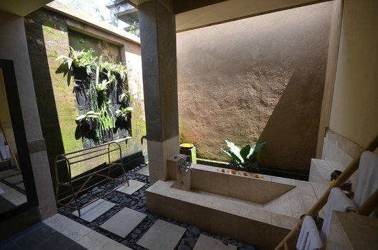 The Sungu Resort & Spa: Baño abierto al cielo!