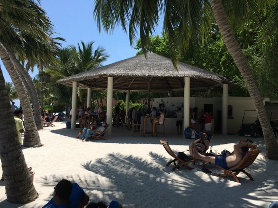 Club Med Kani : bar de la plage