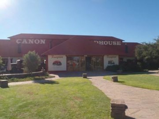 Canyon Roadhouse: Main house from parking lot.