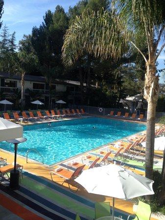 Sportsmen's Lodge Hotel: Poll