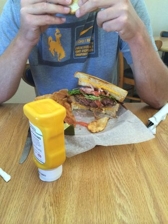 Bianco's Big League Family Eatery : Hi cheese sandwich.
