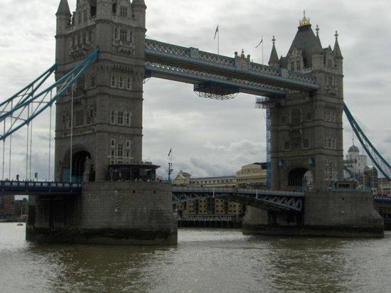 Puente Tower Bridge: Mágico