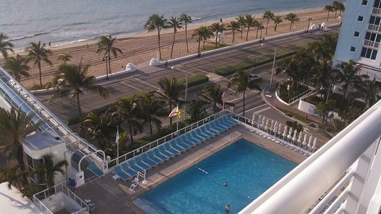 The Westin Beach Resort, Fort Lauderdale: View of the pool and walkway to beach from our room
