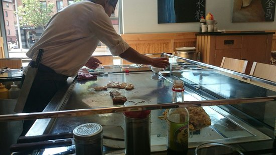 Sapporo Teppanyaki - Glasgow: Our very own chef!