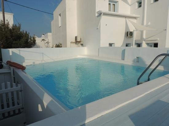 Artemis Villas: la piscine.