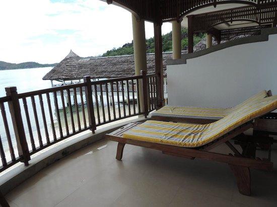 Le Domaine de La Reserve : vue de la terrasse de la chambre