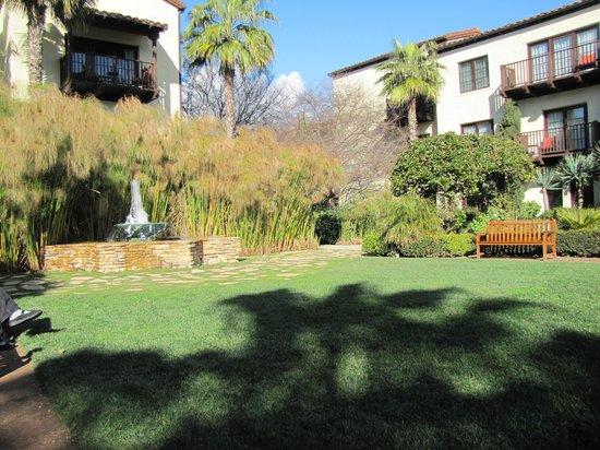 Estancia La Jolla Hotel & Spa: Garden