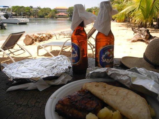 Hotel Chillies: bbq dinner