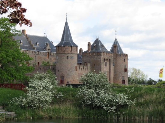 Burg Muiderslot (Kasteel Muiderslot): замок Мейдерслот