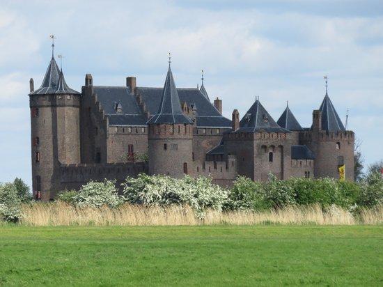 Kasteel Muiderslot : замок Мейдерслот