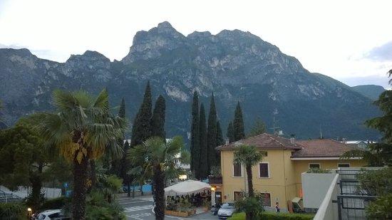 Hotel Gardesana : utsikt från terrassen