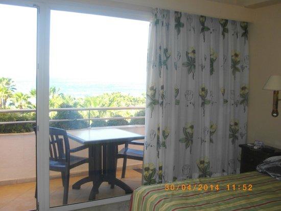 Marbella Playa Hotel : grand balcon vue mer