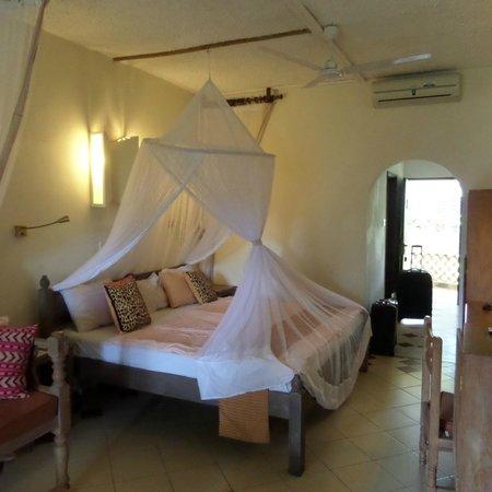Severin Sea Lodge: Poolside room