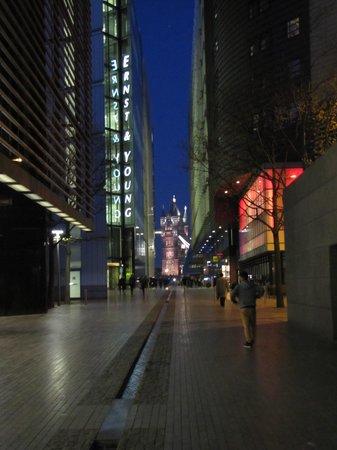 Hilton London Tower Bridge : Side of Hilton looking at London Tower Bridge