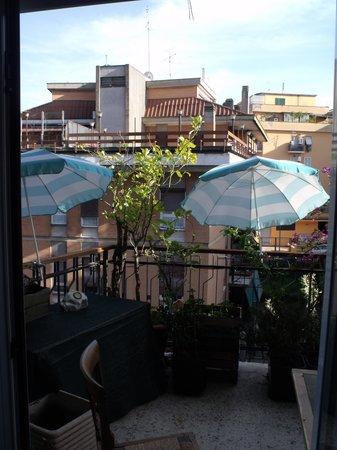 Le Fate Apartments: the balcony