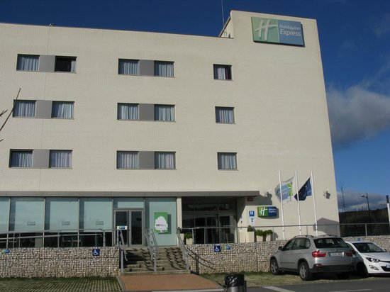 Holiday Inn Express Vitoria : Frente del hotel