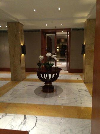 The Dharmawangsa Jakarta: Lobby