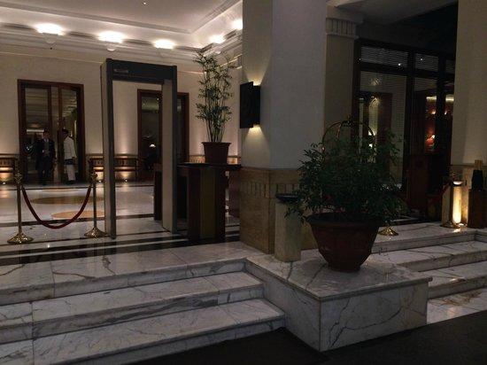 The Dharmawangsa Jakarta : Entrance