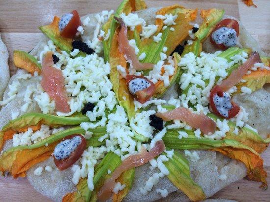 Pinse' Pomezia : Salmone e tartare di caviale