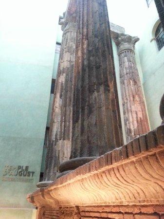 Trixi: Temple D'August