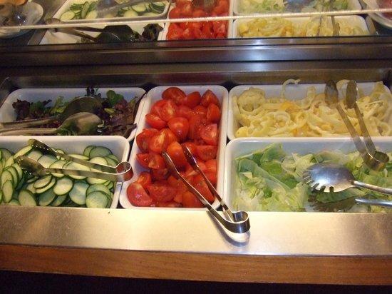Trofea Grill Restaurant: Hungarian salad