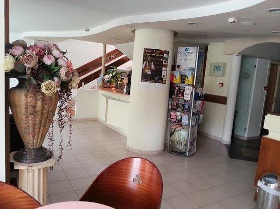 Hotel Mutacita: ricevimento