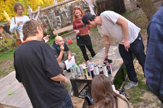 Alternative Prague Tours : sprayers