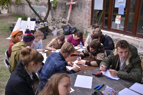 Alternative Prague Tours : group work