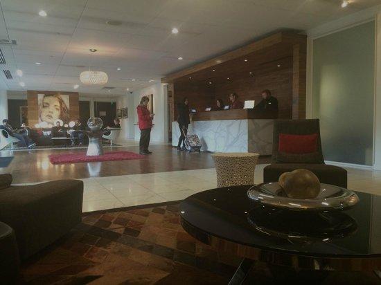 Hotel Modera: Lobby