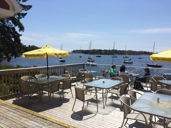 The Galley Restaurant & Lounge: Dockside dining at its best!