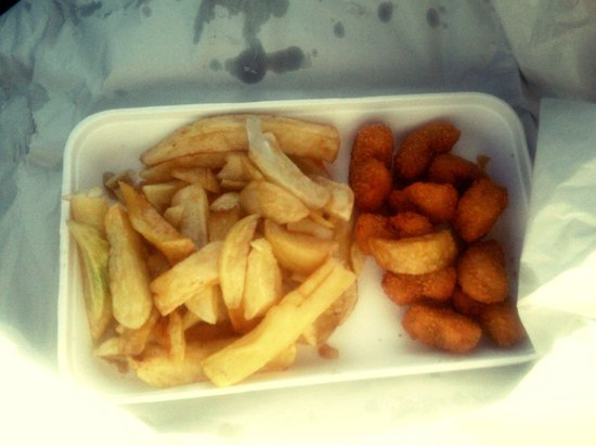 The Ashvale Fish and Chip Restaurant: Scampi super,  yum.
