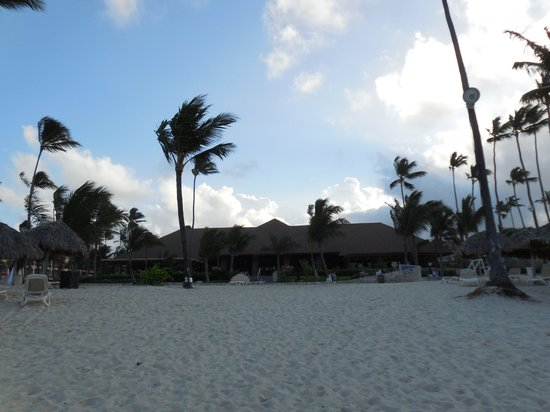Majestic Colonial Punta Cana: beach buffet
