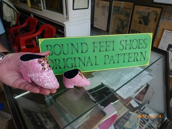 The Majestic Malacca: shopping in China town