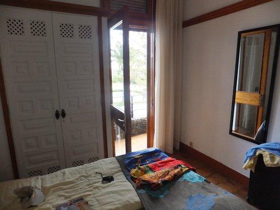 Apartamentos Don Pedro: Door to the very small private balcony