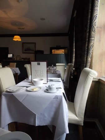 White Horse and Griffin: Breakfast room