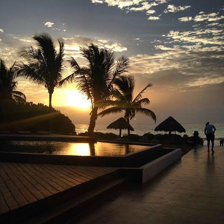 Le Reve Hotel & Spa: Sun Rise simply Breathtaking #thecarteraffair